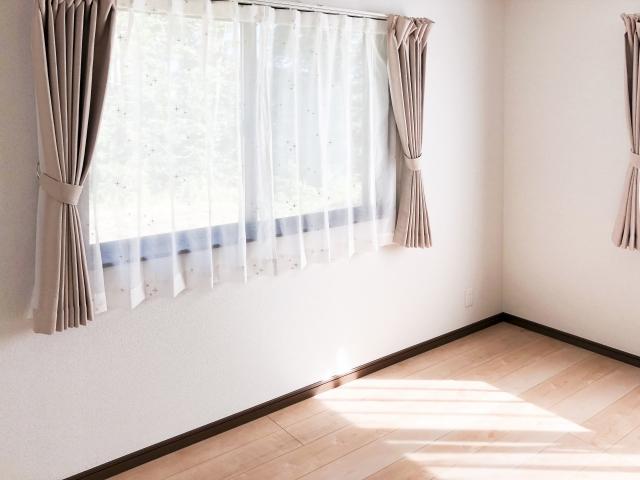 カーテンの色にこだわる!ベージュのオシャレなカーテン特集