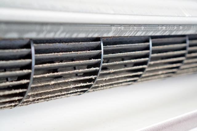 シロッコファンの掃除をして清潔なエアコンで過ごそう!