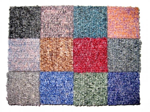 タイルカーペットとは?正方形パーツを組み合わせて簡単設置