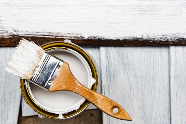 古くて飽きた家具!ペンキで塗装してリメイクする方法