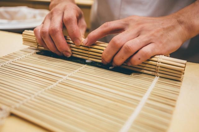 すのこベッドの特徴!ベッドタイプ・ロール式・折りたたみ式