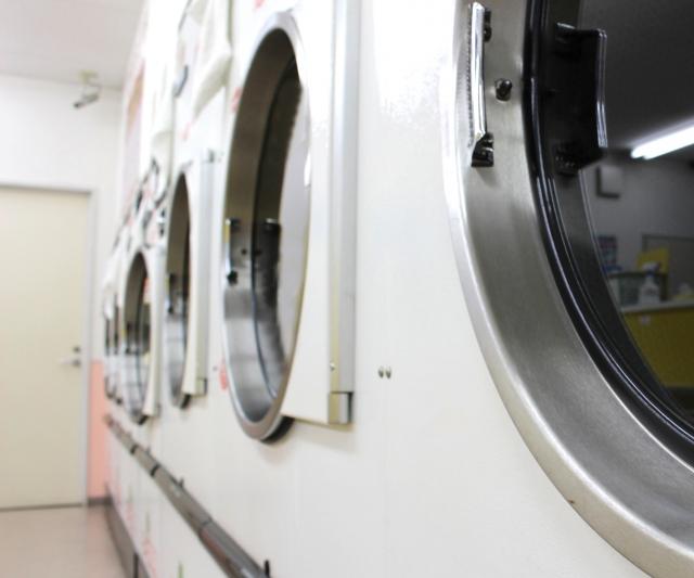 カーペットを丸洗い!コインランドリー利用時は洗剤が必要?