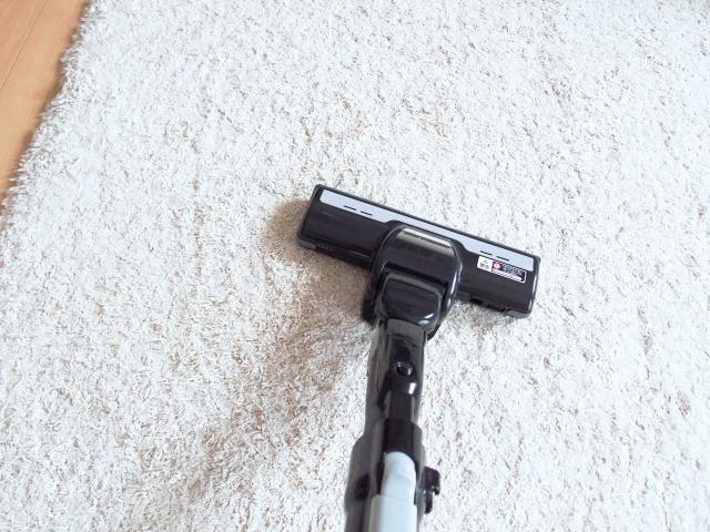 カーペットの洗浄に!あるようでなかった乾湿両用掃除機