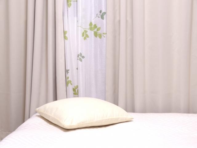 ベッドを窓際に配置すると寒い!快眠するための5つの対策
