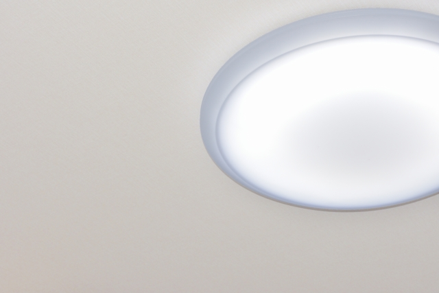 天井照明の位置を変えたい!そんなときに役立つアイデアとは