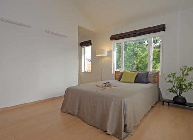 1Rでも寝室でも!8畳のレイアウトはベッドの配置が重要!