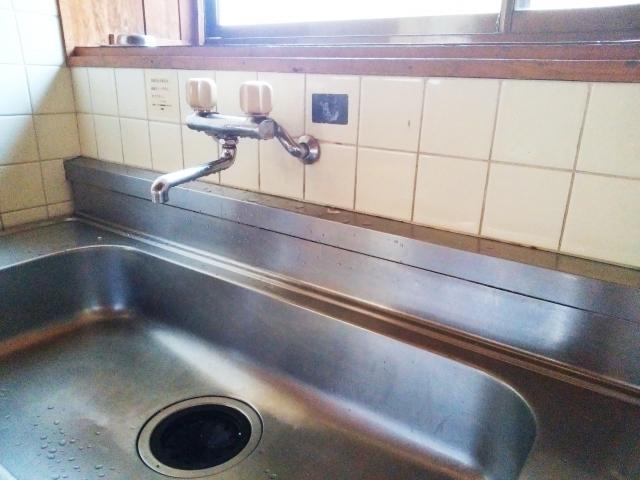 キッチンシンクの蓋がない!代用品や100均の活用で快適に