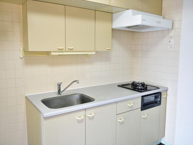 キッチンの換気扇をつけっぱなしにするメリット&デメリット