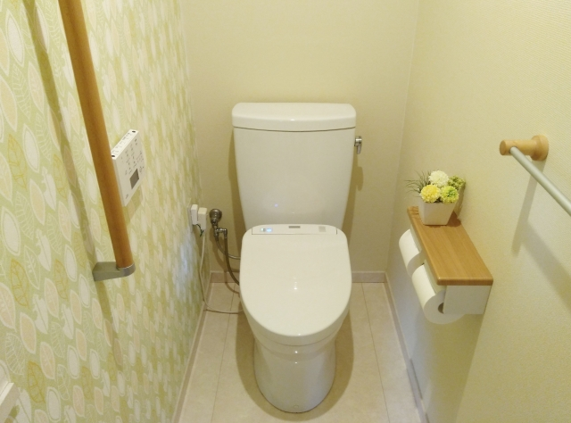 トイレのインテリアをシンプルに仕上げるコーディネート!