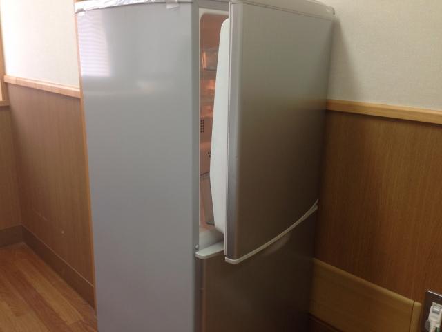 冷蔵庫の下のマットの選び方!フローリングの素材を知ろう!