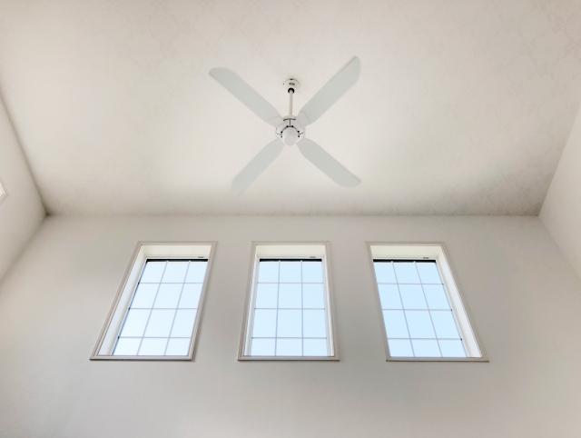 天井が高い!傾斜天井に適した照明の選び方と配置の仕方