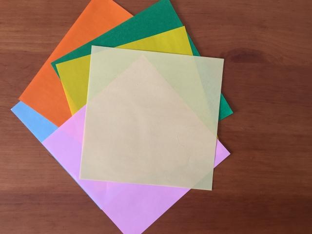 日本伝統の折り紙を使っておしゃれなインテリアを楽しもう!