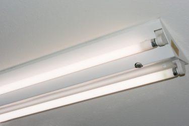 蛍光灯の安定器を交換には注意が必要!安定器について知ろう