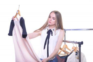 シェルフを使いこなして服の収納をすっきりおしゃれに!