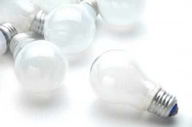 おしゃれな部屋はダウンライトがつくる!電球や機能の選び方