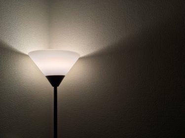 一人暮らしで快適な部屋作り!間接照明の便利な置き方とは