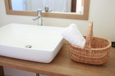 洗面所になぜ「スツール」が便利?おしゃれな商品もご紹介