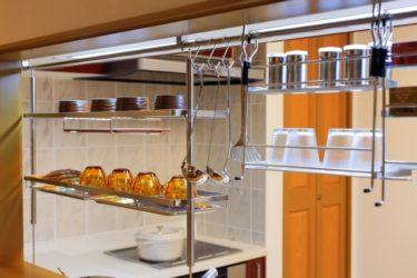 料理の時間を快適に!使いやすいキッチンスツールの高さは?