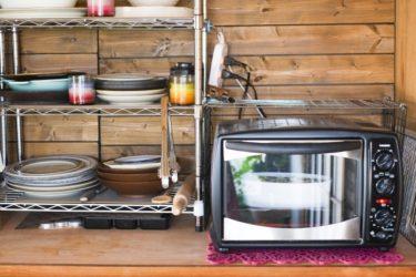 スチール製シェルフを置いて使いやすいキッチンを目指そう!