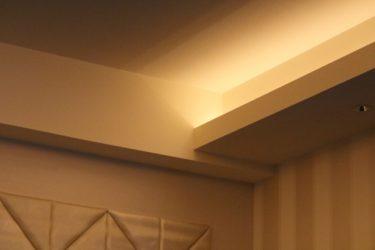 間接照明で寝室を癒しの空間に!LEDタイプがおすすめ