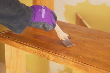 テーブルをDIY!水性ウレタンニスで塗り替えにチャレンジ!