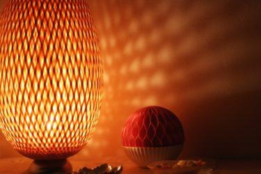 間接照明でリビングを彩る!賃貸でも使えるアイディア