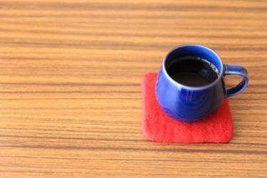 テーブルの天板にタイルを使って自分好みにリメイク!