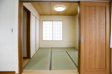 和室にソファを置くならへこみ対策が重要!和モダンな空間へ